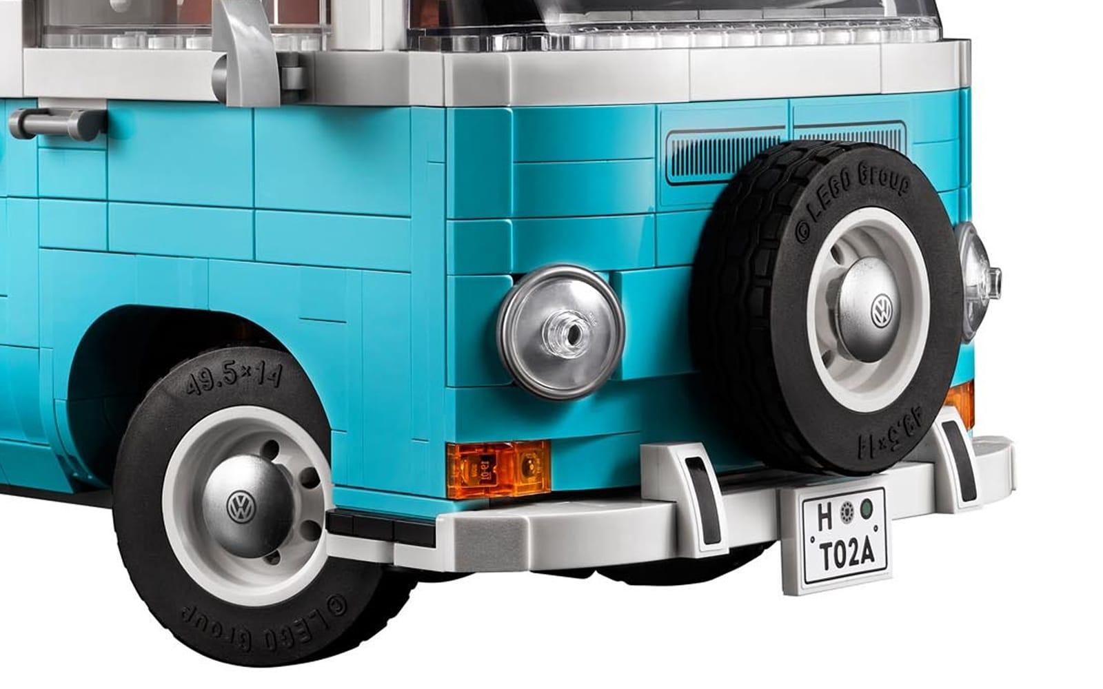 LEGO 10279 Volkswagen T2 Camper Van Front Slider 1