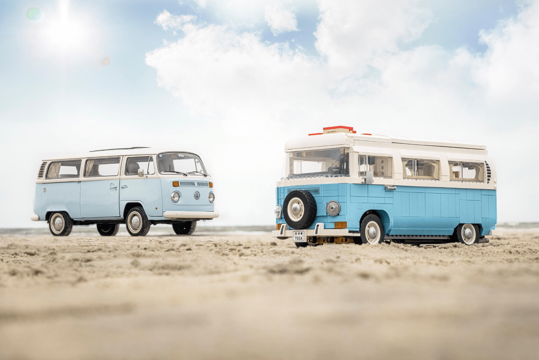 LEGO 10279 Volkswagen T2 Campingbus Vergleich Vorbild