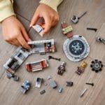 LEGO 75319 Die Mandalorianische Schmiede Der Waffenschmiedin 10