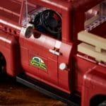 LEGO Creator Expert 10290 Pickup 21