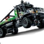 LEGO Technic 42129 4x4 Mercedes Benz Zetros Offroad Truck 3
