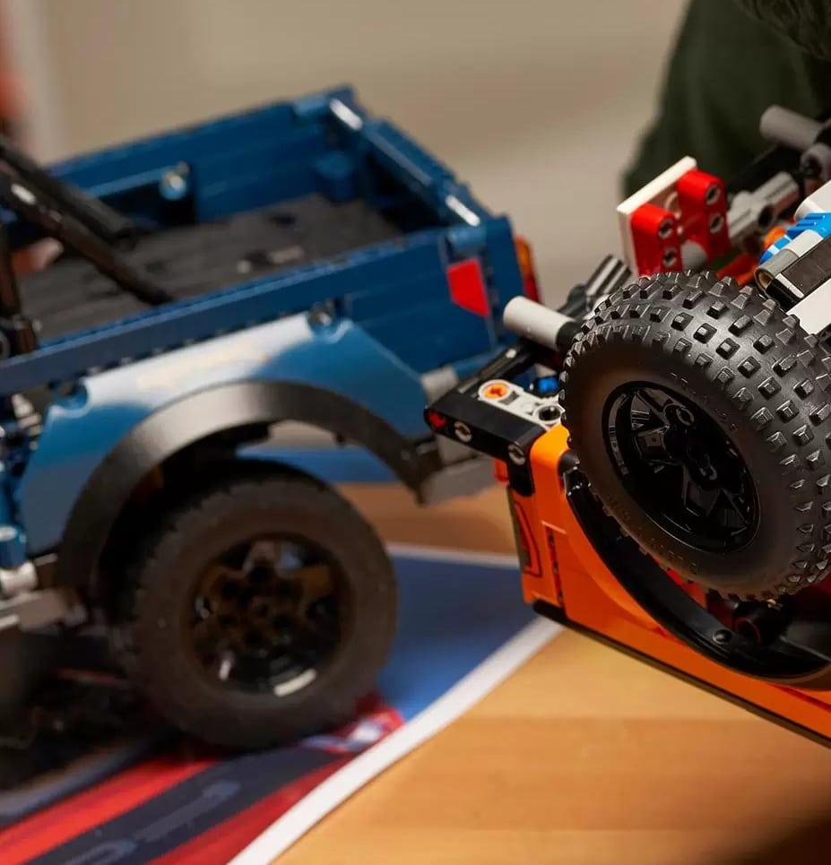 LEGO Technic Ford Raptor 42126 Blauer Prototyp 3