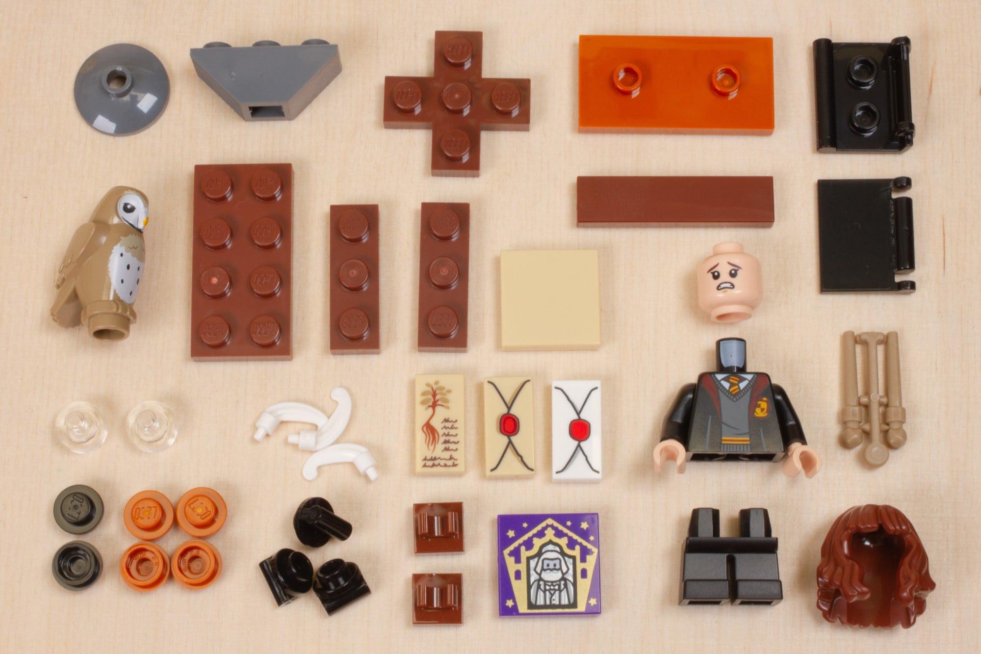 LEGO Harry Potter 30392 Hermines Schreibtisch 4