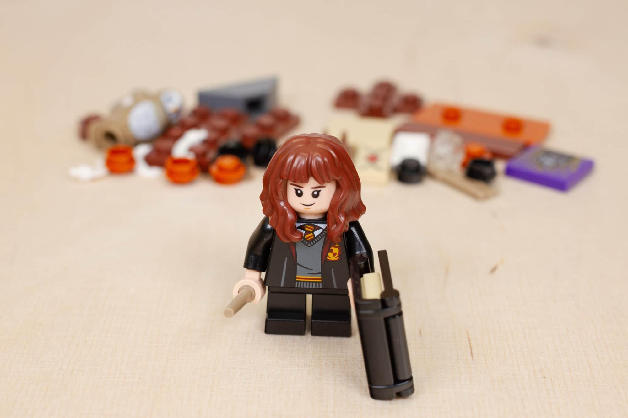LEGO Harry Potter 30392 Hermines Schreibtisch 6