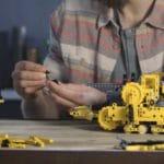 LEGO Technic 42131 Cat D11t Bulldozer 1