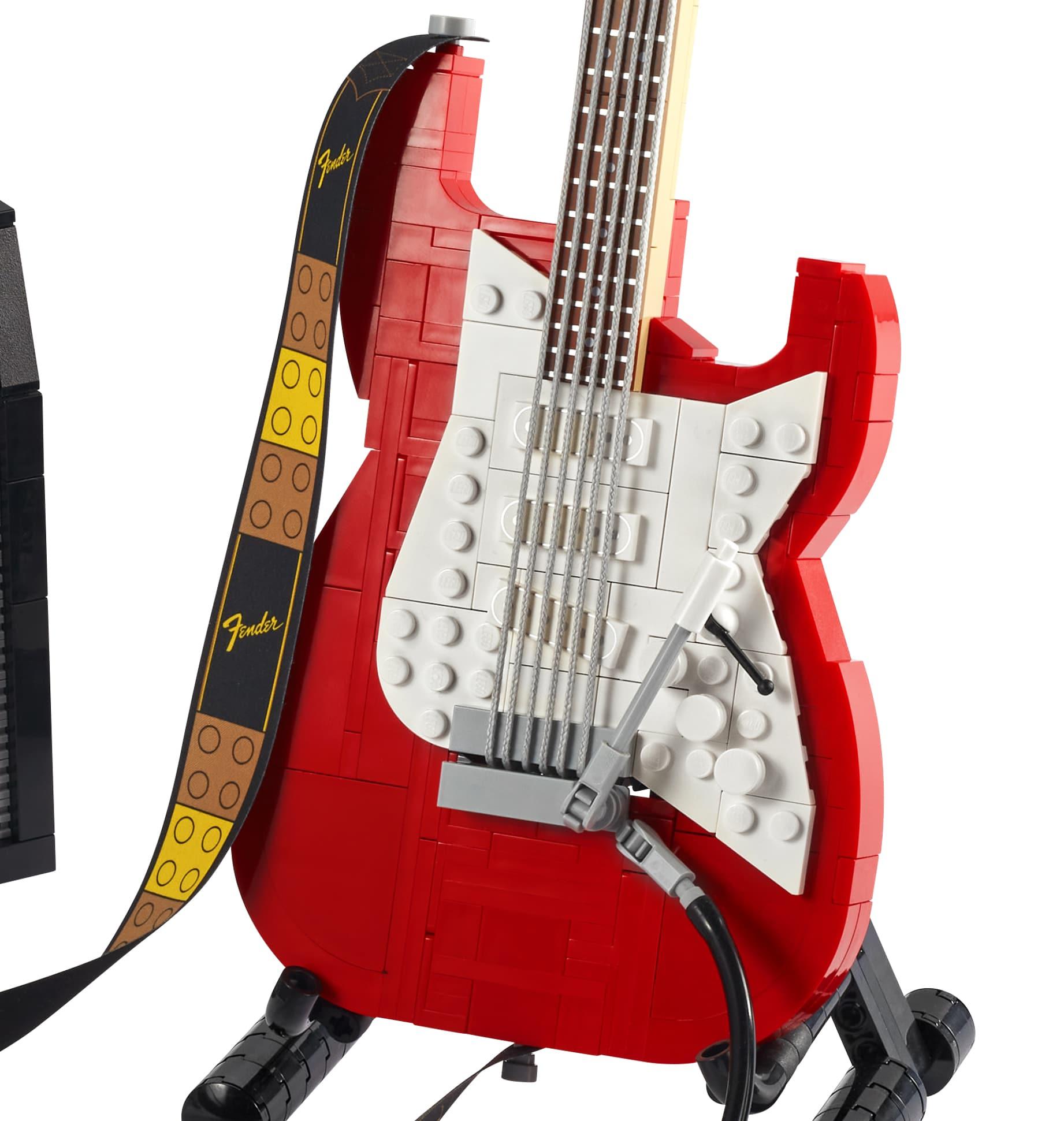 LEGO 21329 Fender Stratocaster Detail02