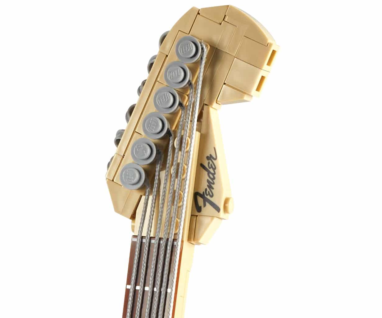 LEGO 21329 Fender Stratocaster Detail03