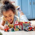 LEGO City 77943 Feuerwache Starterset 9