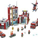 LEGO City 77944 Feuerwehrzentrale 1