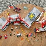 LEGO City 77944 Feuerwehrzentrale 12