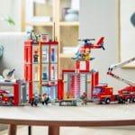 LEGO City 77944 Feuerwehrzentrale 14