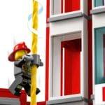 LEGO City 77944 Feuerwehrzentrale 6