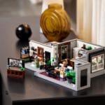 LEGO Creator Expert 10291 Queer Eye The Fab 5 Loft 24