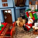LEGO Creator Expert 10293 Santas Visit 10
