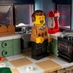LEGO Creator Expert 10293 Santas Visit 12