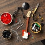 LEGO Ideas 21329 Fender Stratocaster (21)