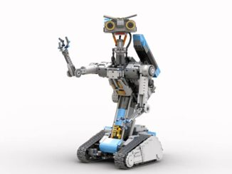 LEGO Ideas Motorized Johnny Five (1)