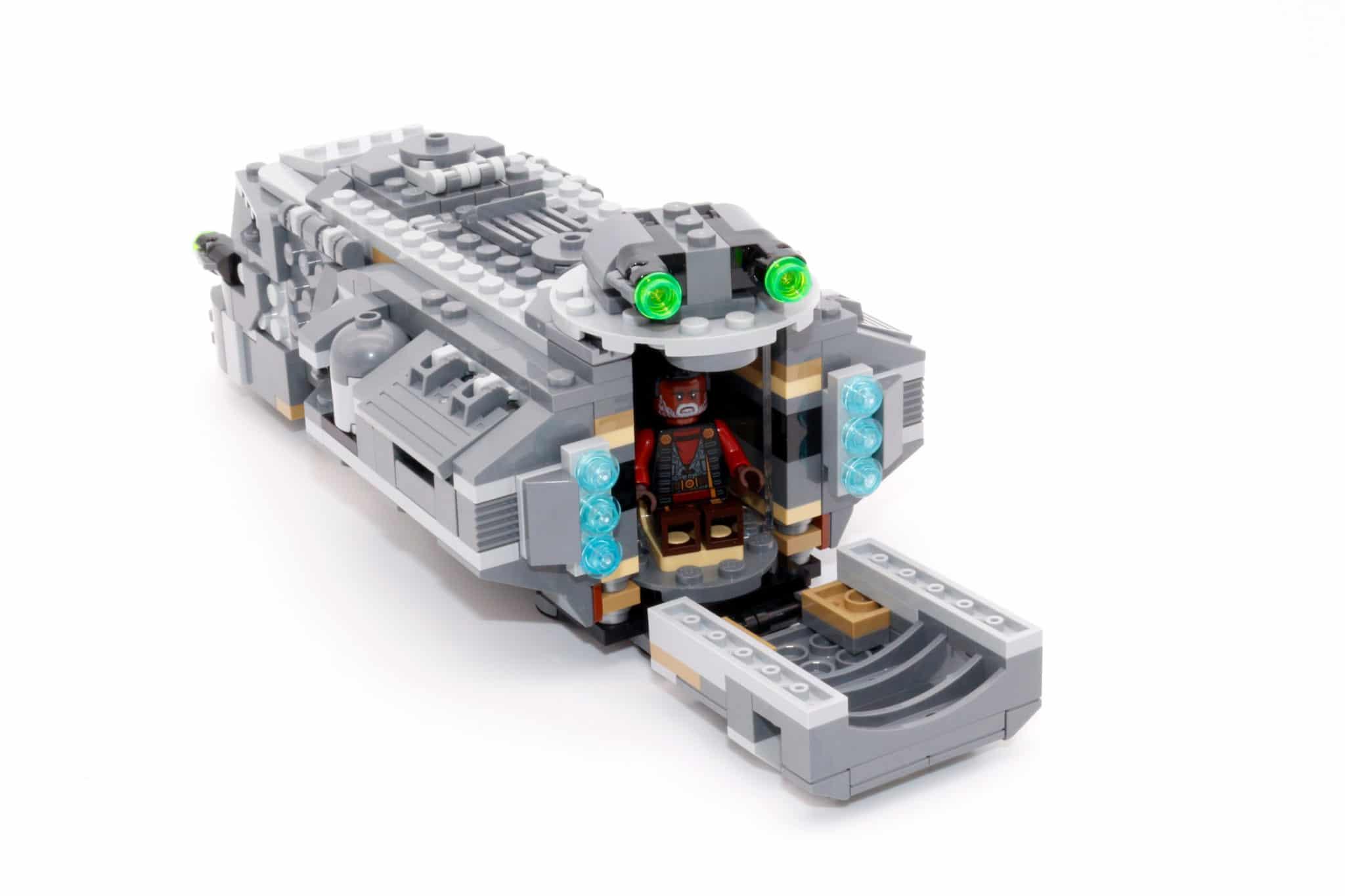 LEGO Star Wars 75311 Imperial Marauder 26
